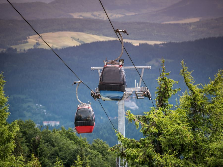 Take a ride with sightseeing gondola in Whistler for some great views