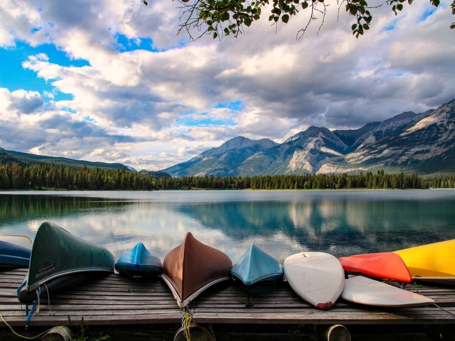 Lake Edith is one of the must-visit places in Jasper National Park