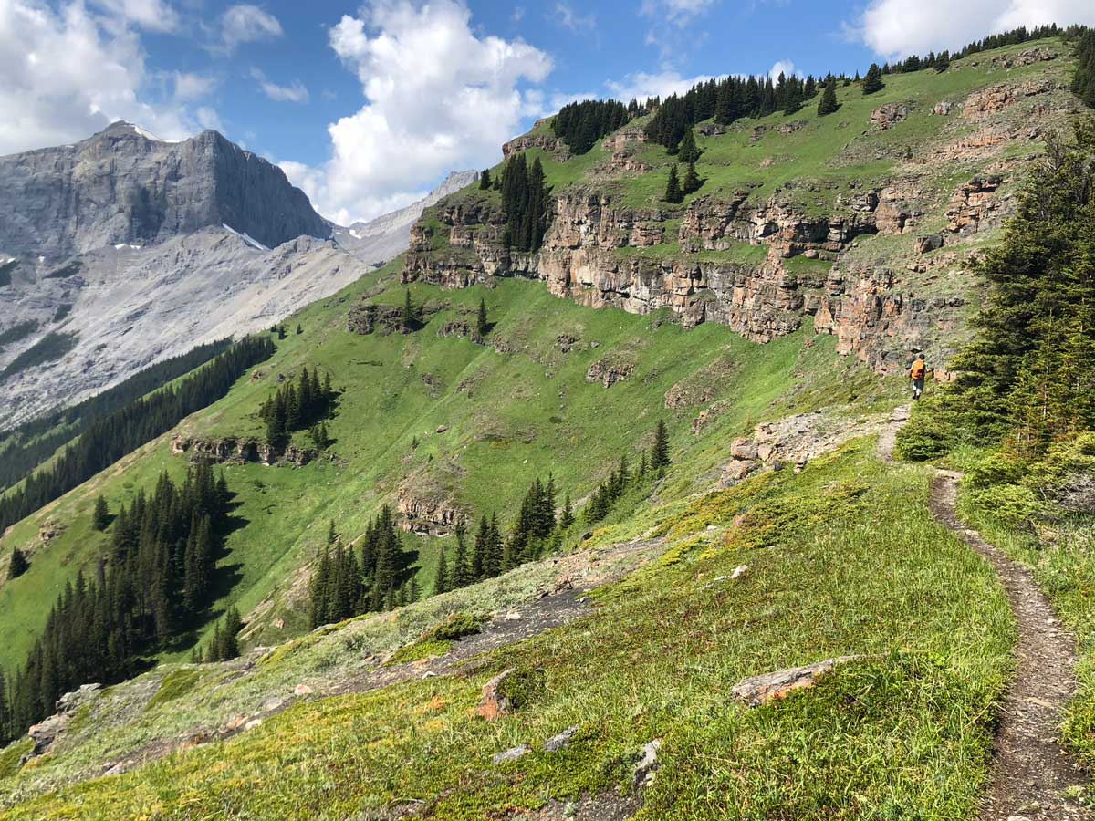 Trail of the Wind Ridge hike in Canmore, Alberta
