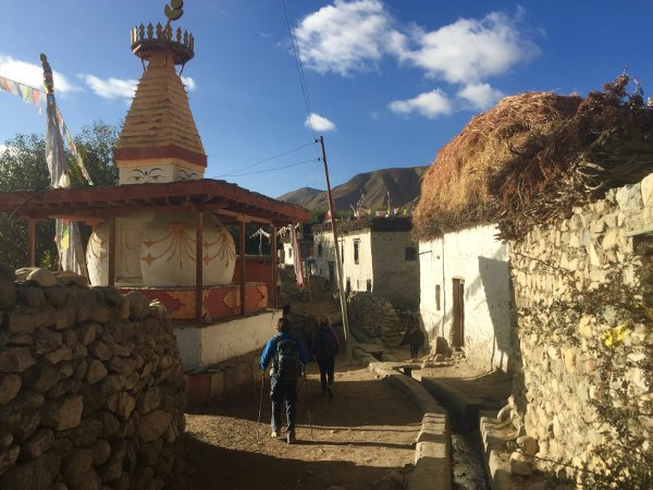 Tiny towns in Mustang