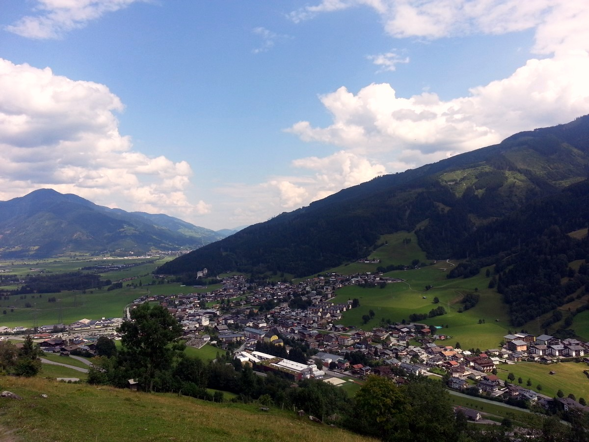 Beautiful views from the Maiskogel Forest Route Hike in Zell am See - Kaprun, Austria