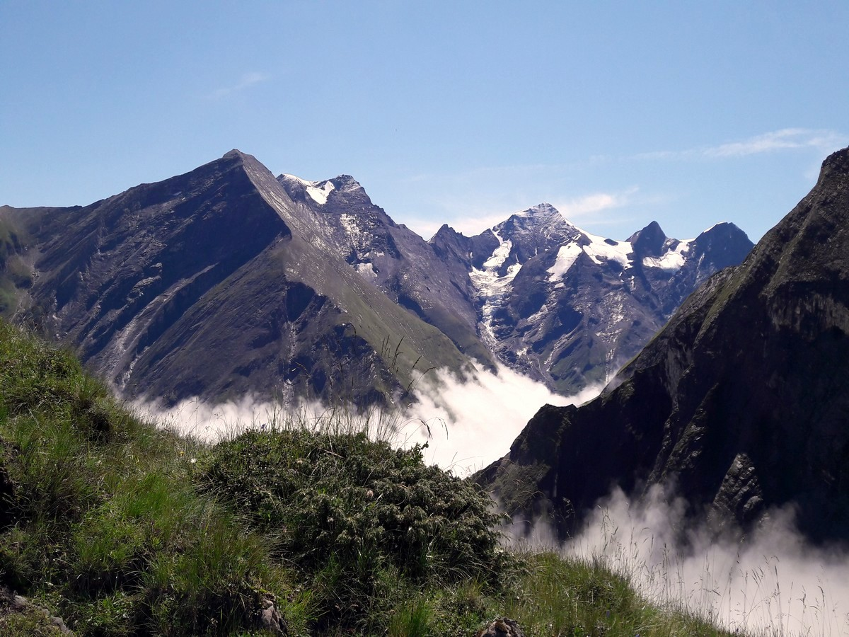 View from the ridge on the Glacier lake & Gaisstein Hike in Zell am See - Kaprun, Austria