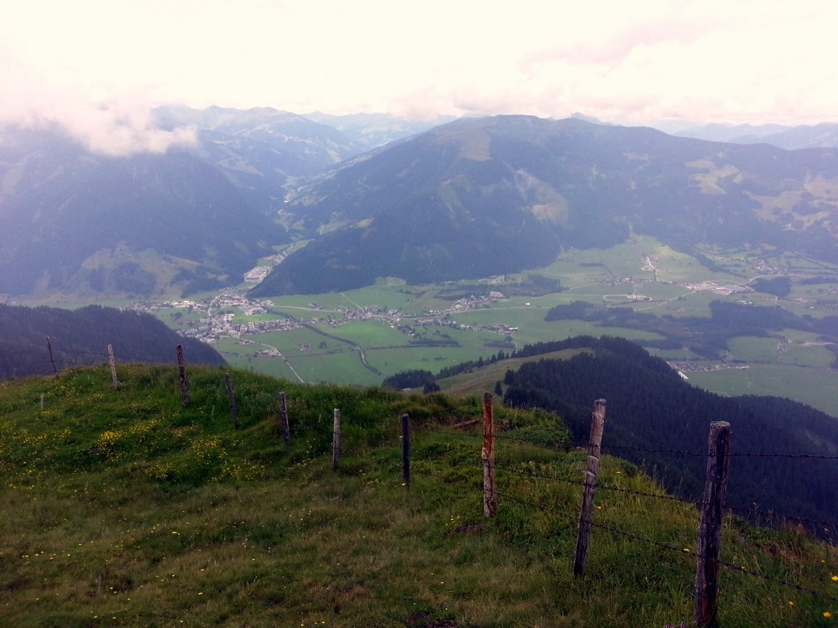 Trail views on the Schwalbenwand & Schönwieskopf Hike in Zell am See - Kaprun, Austria