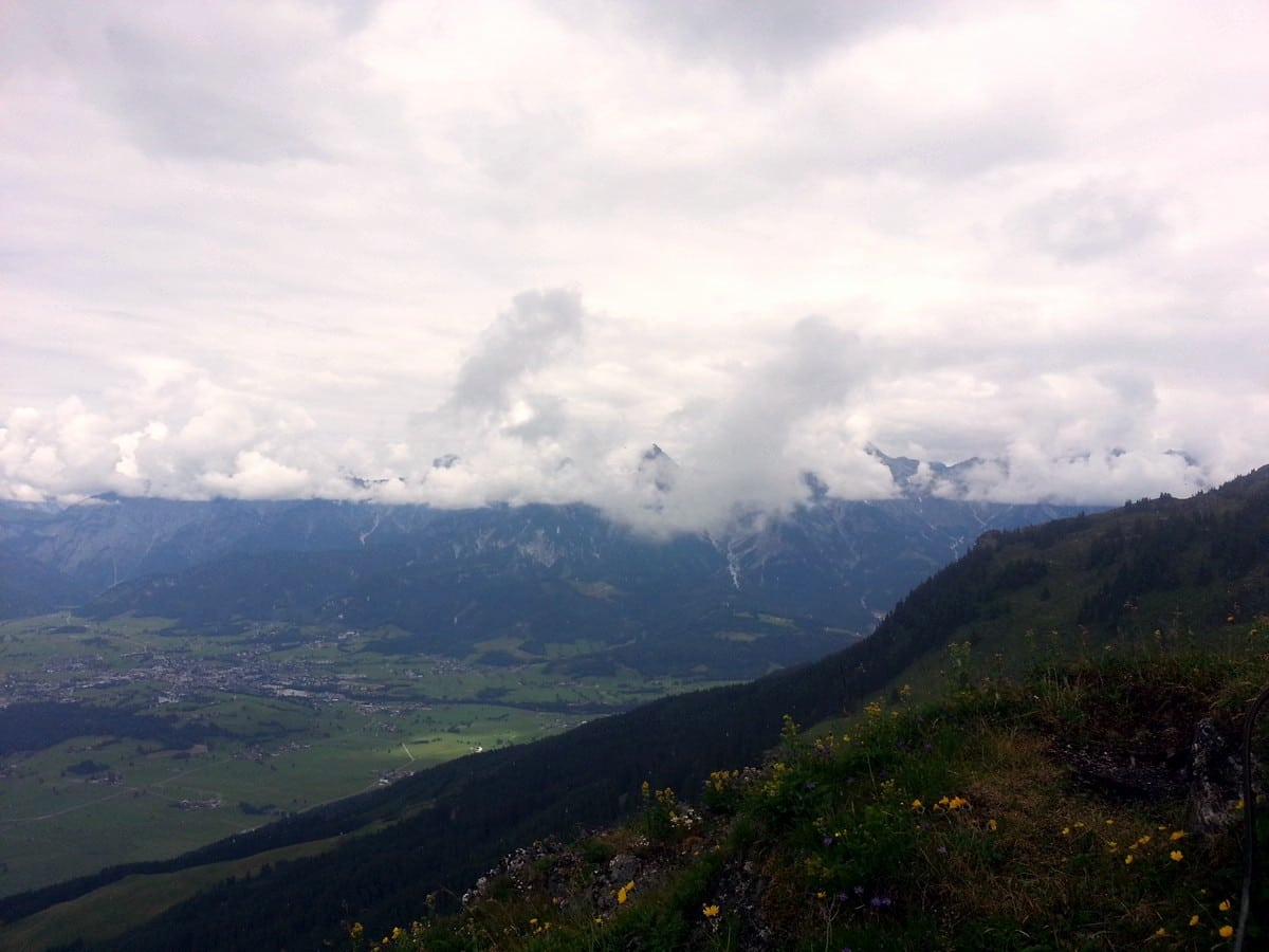 View into Saalbach valley on the Schwalbenwand & Schönwieskopf Hike in Zell am See - Kaprun, Austria