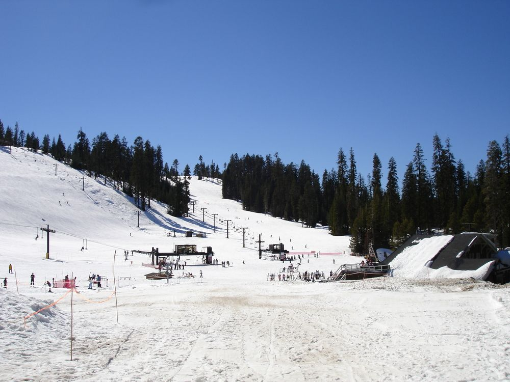 Badger Pass ski area is a great place to spend time on a winter weekend in Yosemite National Park