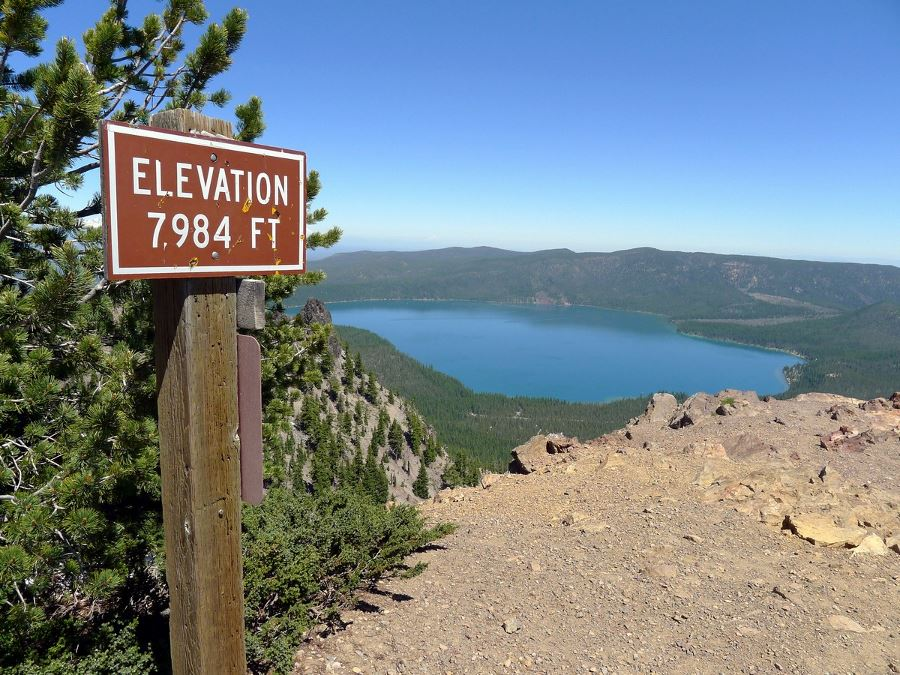 Paulina Peak hike is a must-do hike in Bend, Oregon