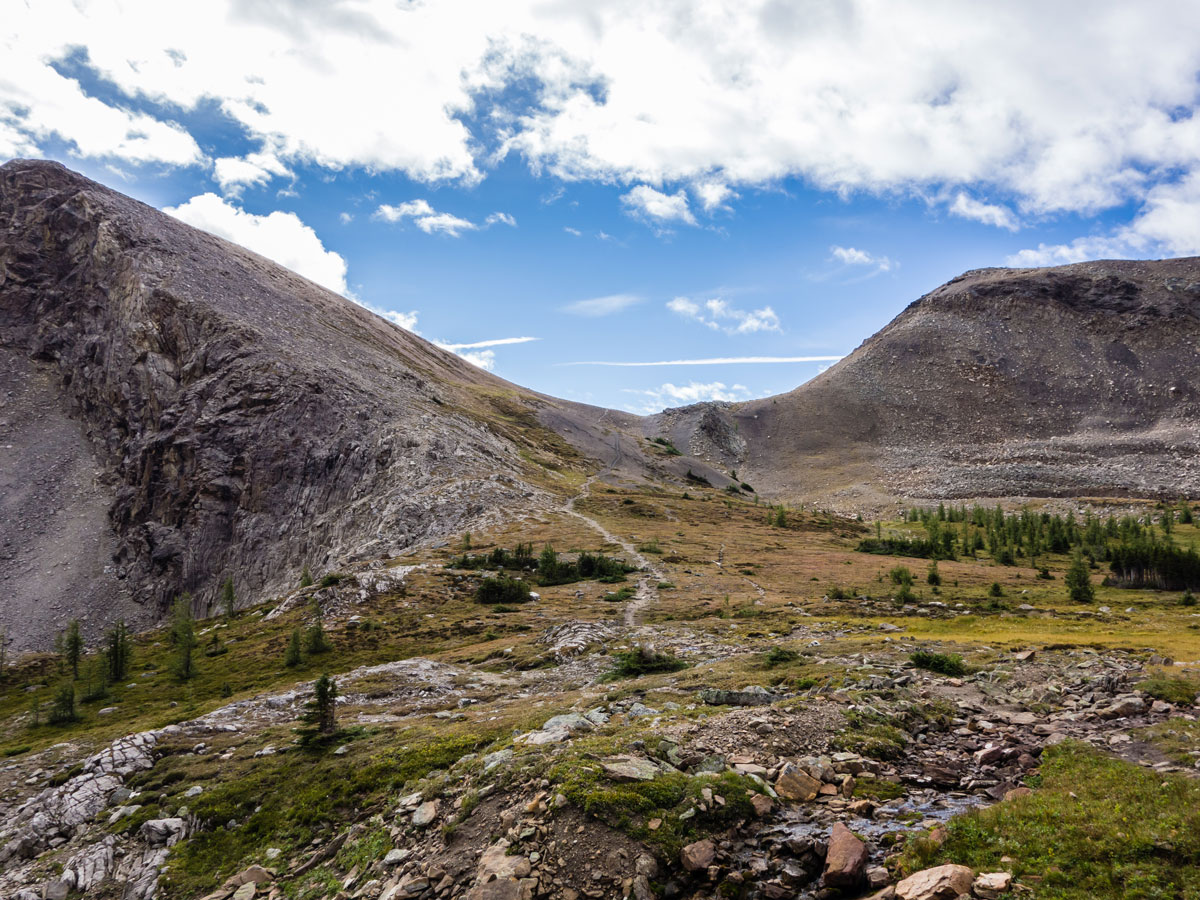 Trail upon the Bourgeau Lake / Harvey Lake / Harvey Pass Hike in Banff, Alberta