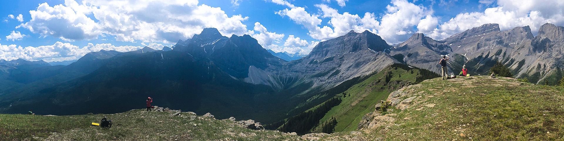 Panorama of the Wind Ridge hike in Canmore, the Canadian Rockies