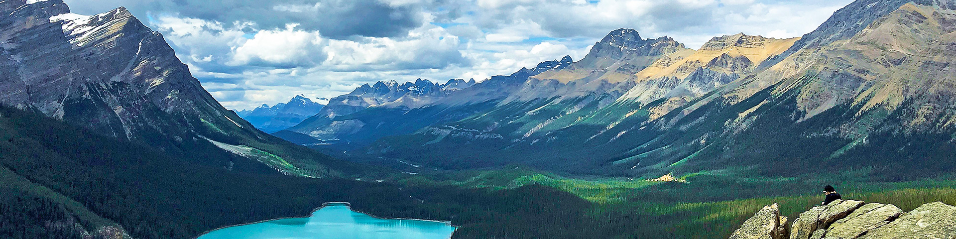 The Stunning Peyto Lake - Amazing Images & Full Guide