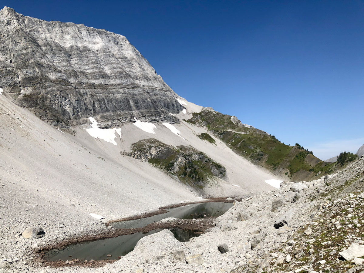 Black Prince Lakes and Cirque Hike near Smith-Dorrien Trail in Kananaskis, near Canmore