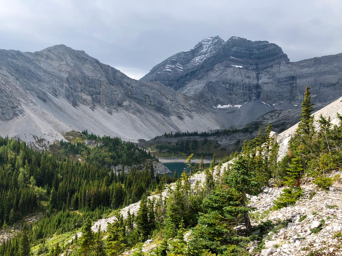 Beautiful views of the Guinn's Pass Hike in Kananaskis, near Canmore