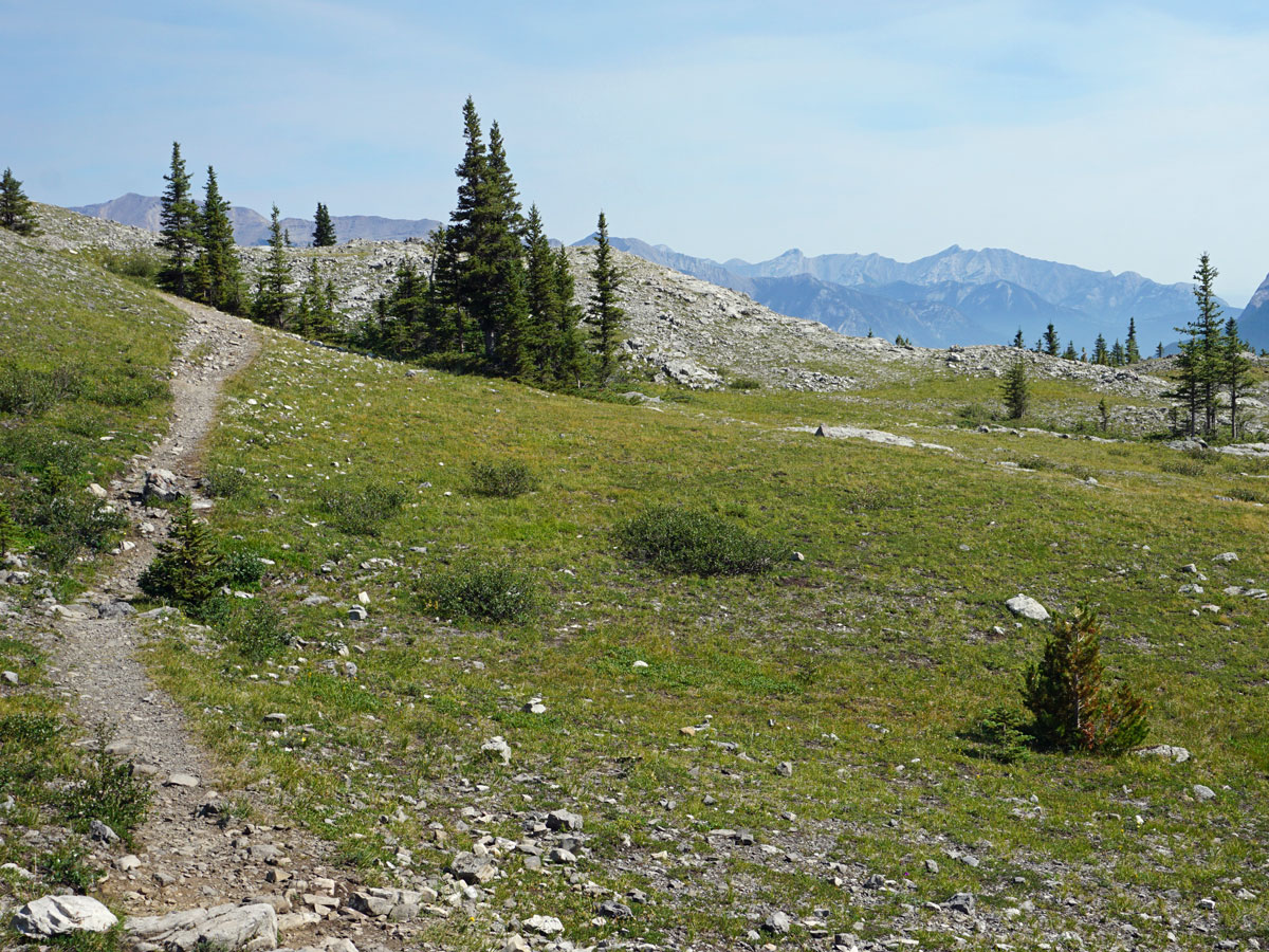 Stunning pass on the West Wind Pass Hike near Smith-Dorrien Trail in Kananaskis, near Canmore