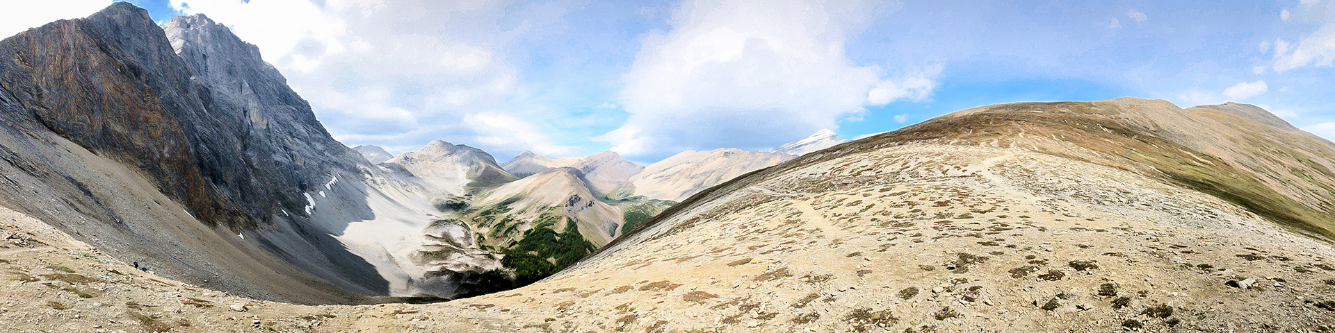 Panorama of the Guinn's Pass hike from Kananaskis near Canmore