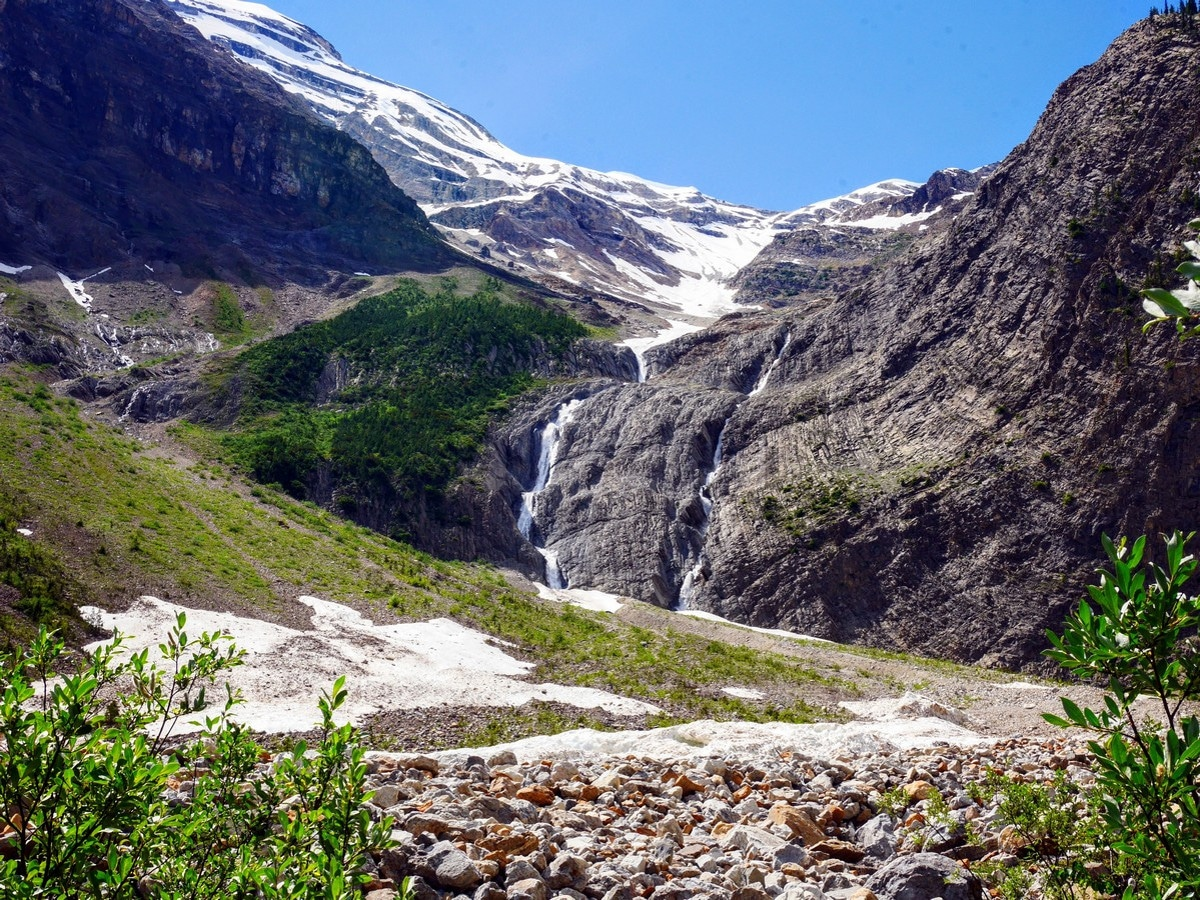 Waterfalls and cliffs on the Emerald Basin Hike in Yoho National Park, Canada