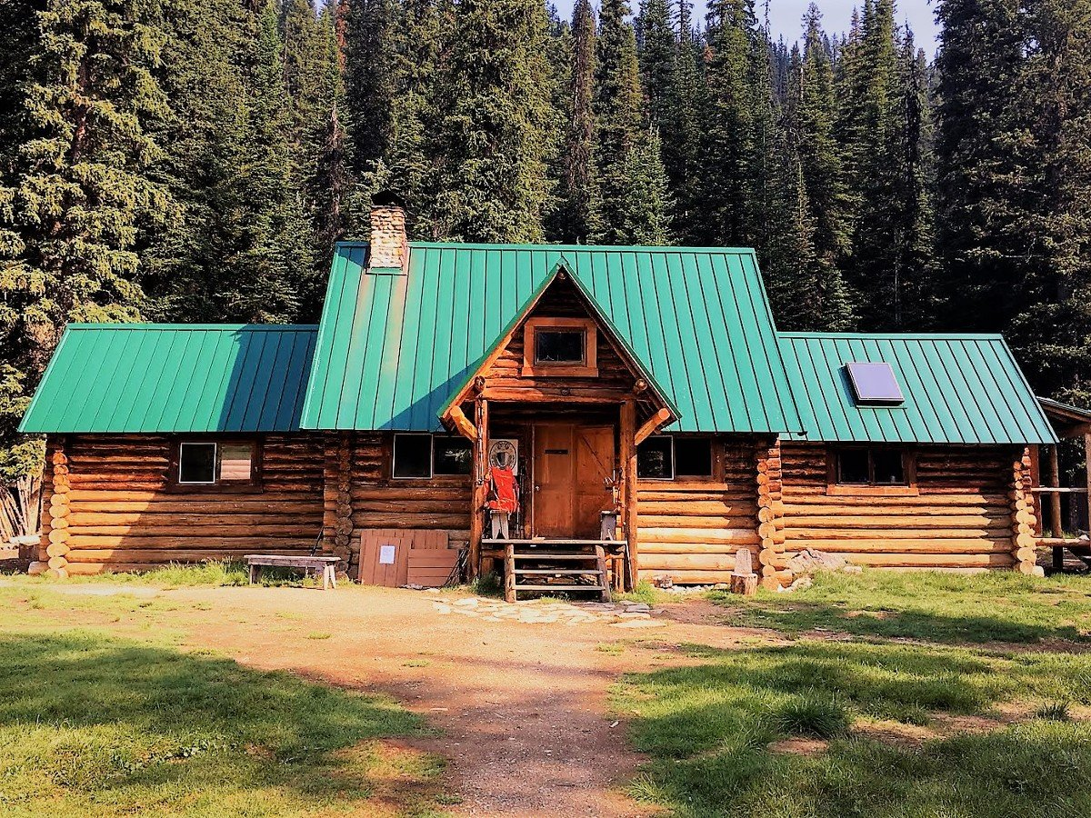 The ACC Stanley Mitchell Hut on the Yoho Valley Circuit Hike in Yoho National Park, Canada