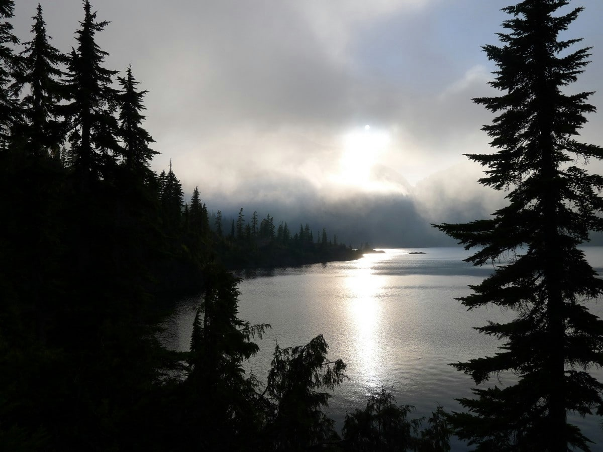 Cloudy day on the Bedwell Lake Hike in Strathcona Provincial Park, Canada