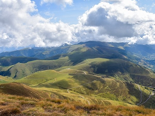 Trail of the Mont Né hike in French Pyrenees