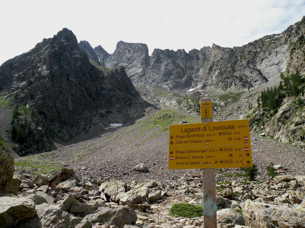 The signage on site with the Argentera on the bottom on the Lagarot di Lourousa Hike in Alpi Marittime National Park, Italy