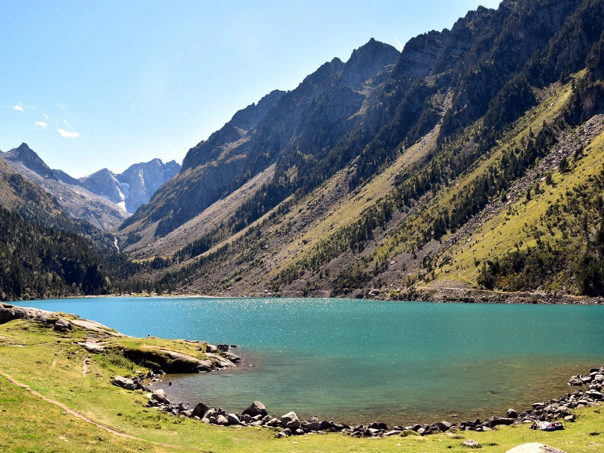 Beautiful lake on the Lac de Gaube Hike in French Pyrenees
