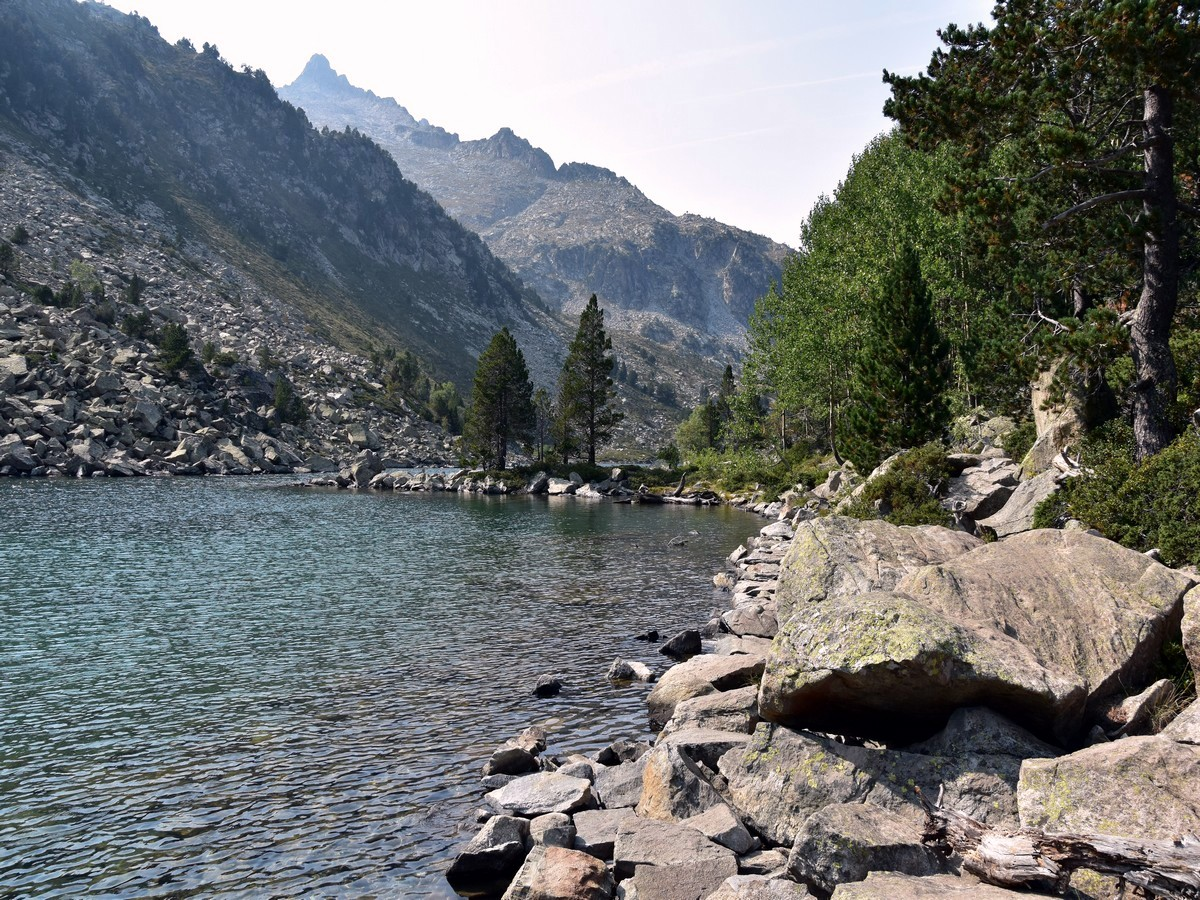 Hiking to the Lac d'Aubert and Lac d'Aumar