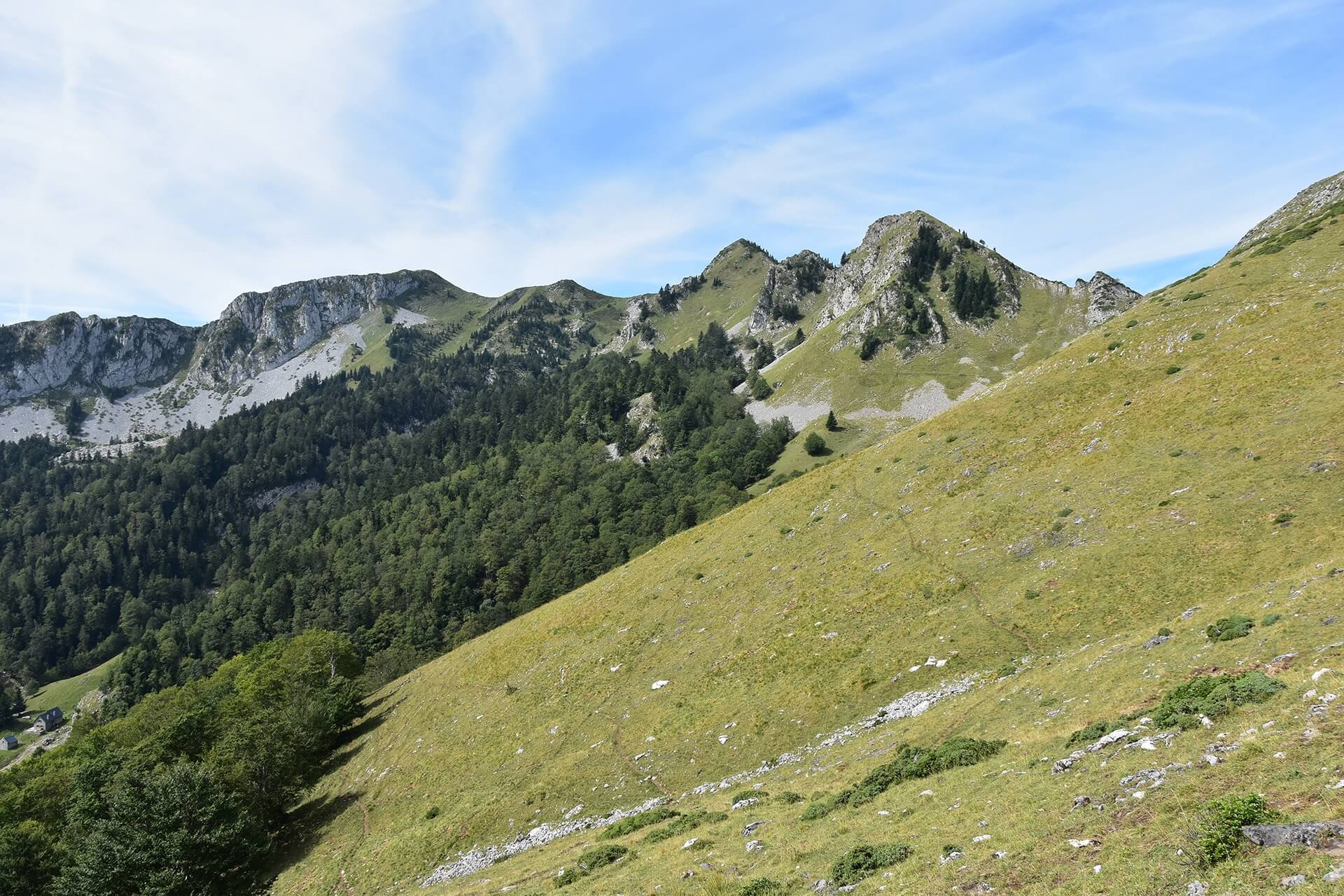 Cagire Loop trail in French Pyrenees