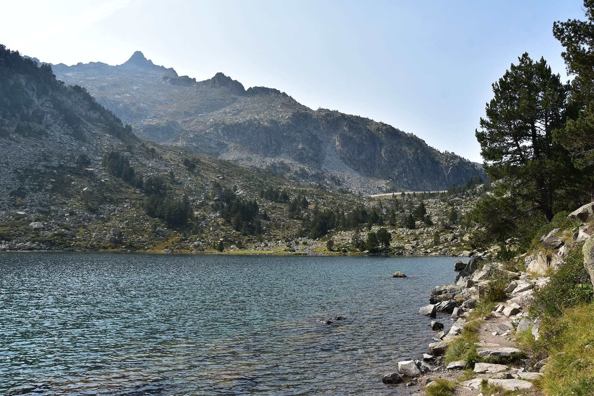 Last part of the Oredon, Aubert, and Aumar lakes hike in French Pyrenees