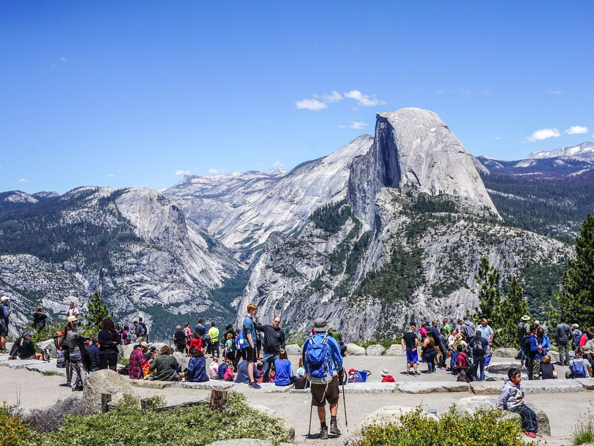 Crowd of hikers at Sentinel Dome to Glacier Point Hike Yosemite