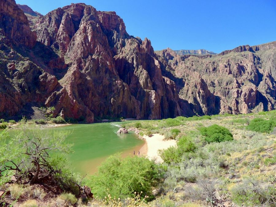 Beach at the bottom of South Kaibab trail