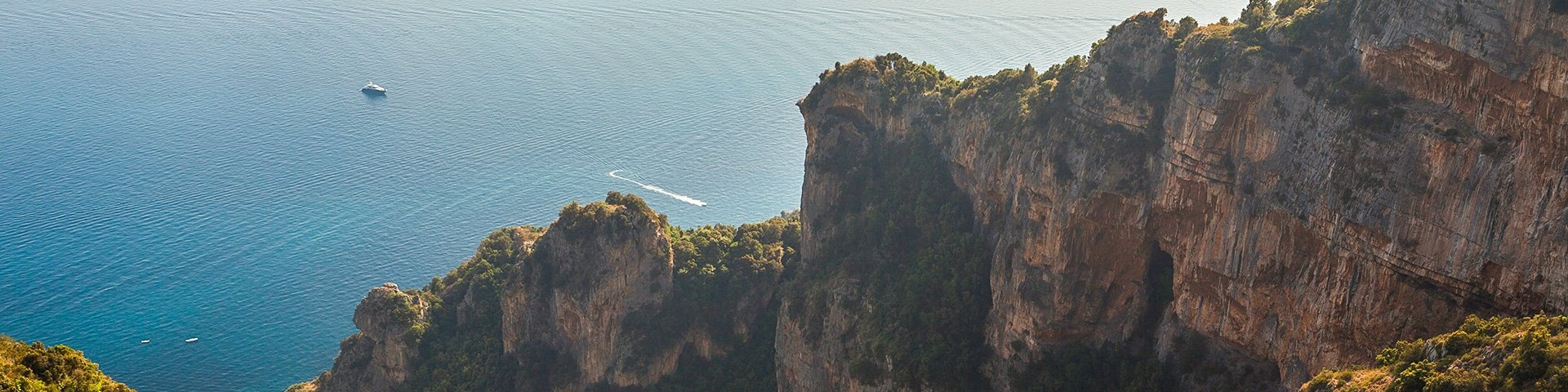 Panorama of the Path of the Gods hike in Amalfi Coast, Italy