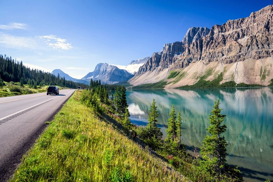 Include Bow Lake in planning your trip to Icefields Parkway