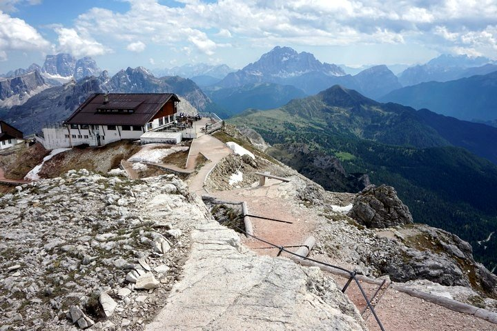Lagazuoi to Passo Falzarego hike is one of top 10 hikes in the Italian Dolomites