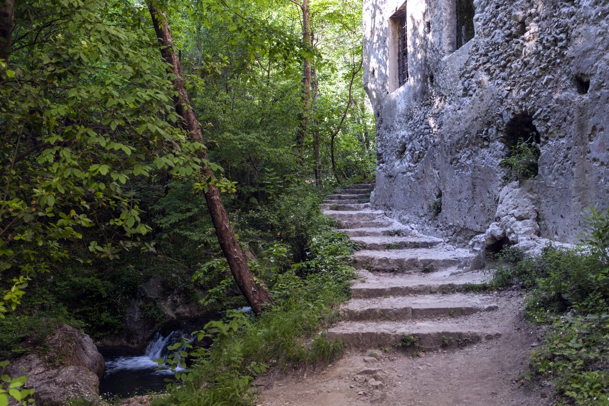 Little Fall stairs and an old building on the Valle dei Mulini Hike in Amalfi Coast, Italy