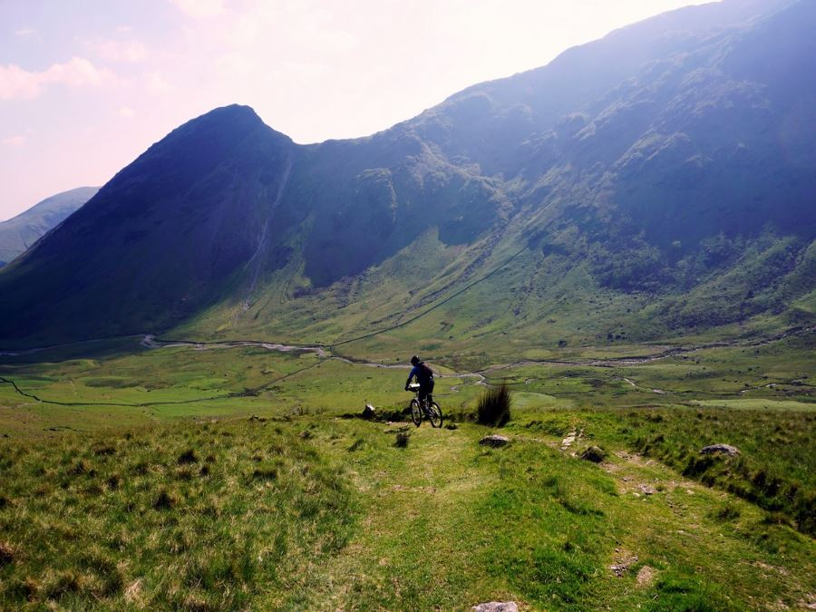 Mountain bikers on the Mosedale Horseshoe Hike in Lake District, England