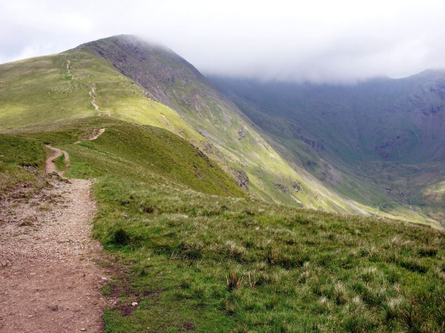 Trail the Fairfield Horseshoe Hike in Lake District, England