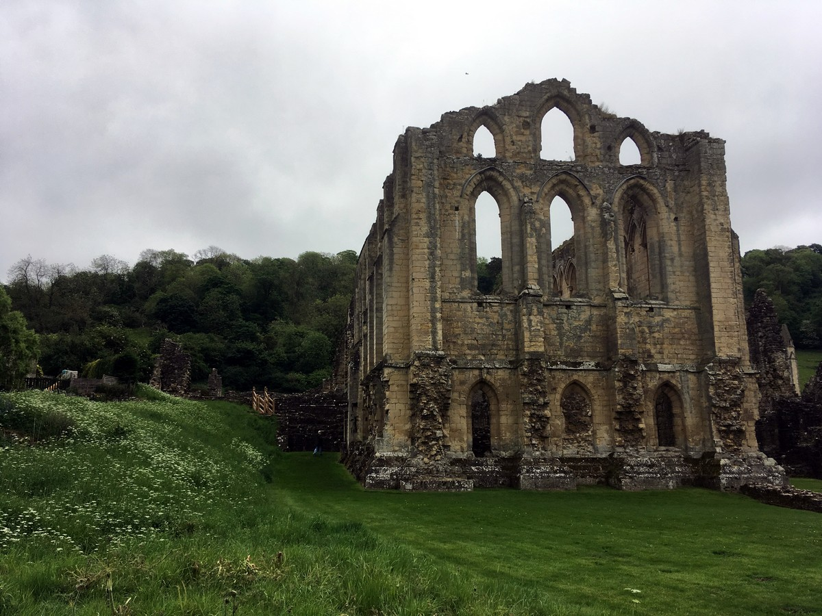 Trail of the Helmsley to Rievaulx Abbey Hike in North York Moors, England