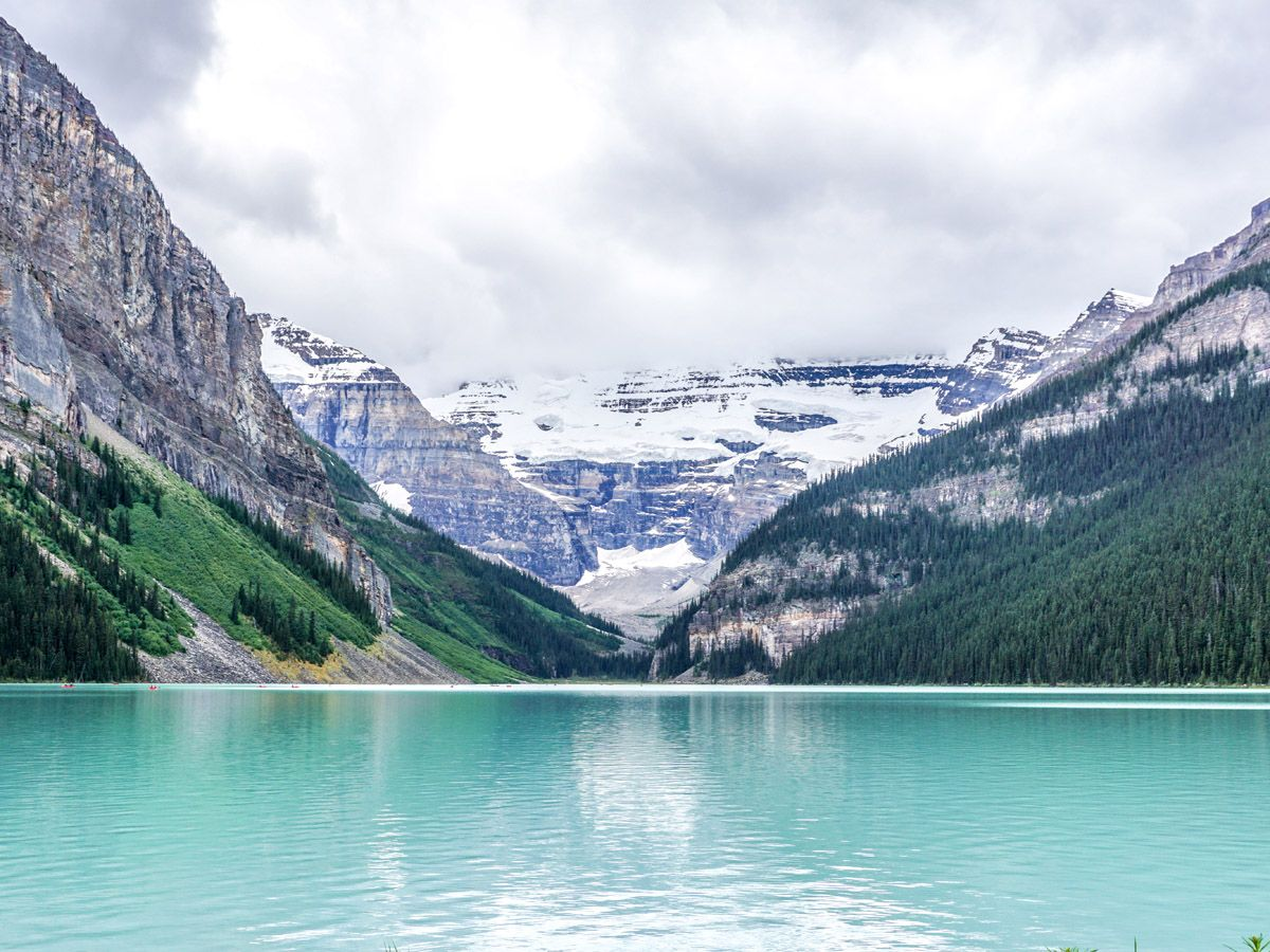 Lake views on the Plain of the Six Glaciers trail (Lake Louise, Banff National Park)
