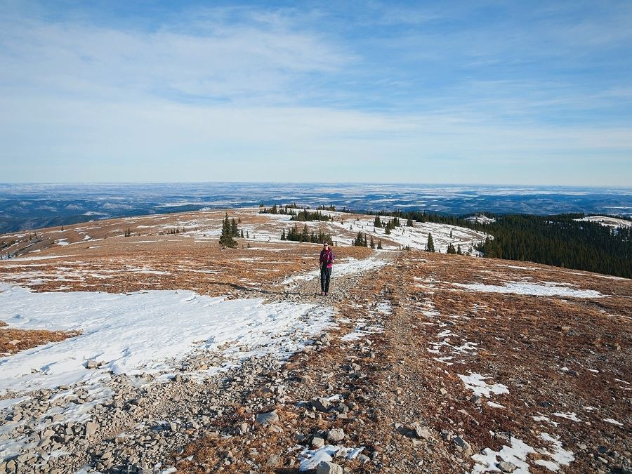 Moose Mountain Hike from Bragg Creek (Kananaskis) gets covered by snow early