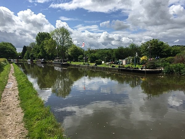 Trail of the Grand Union Canal - Tring to Berkhamsted hike in Chiltern Hills, England