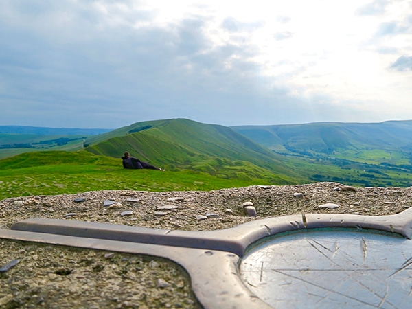 Trail of the Mam Tor Circular hike in Peak District, England