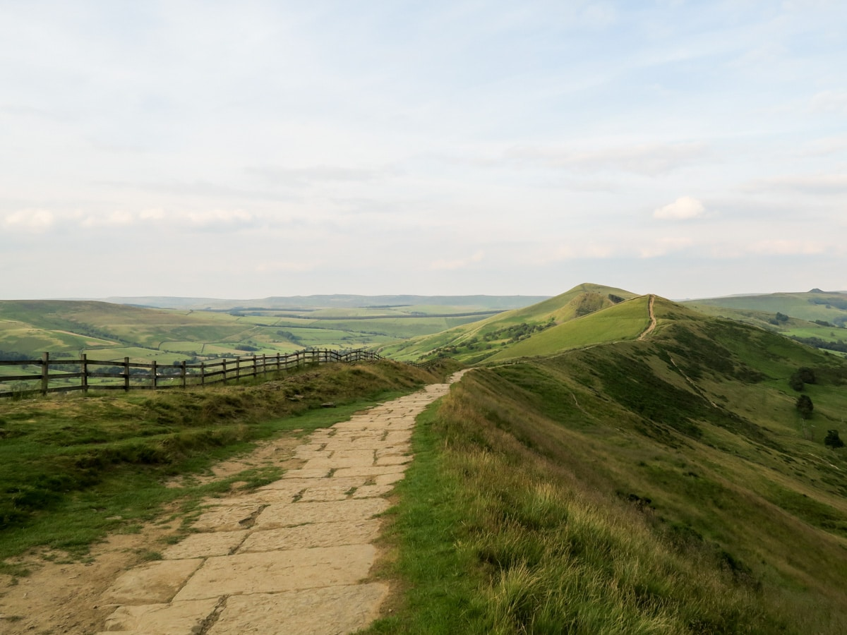 Descent to Hollins Cross on Mam Tor Circular Hike in Peak District, England