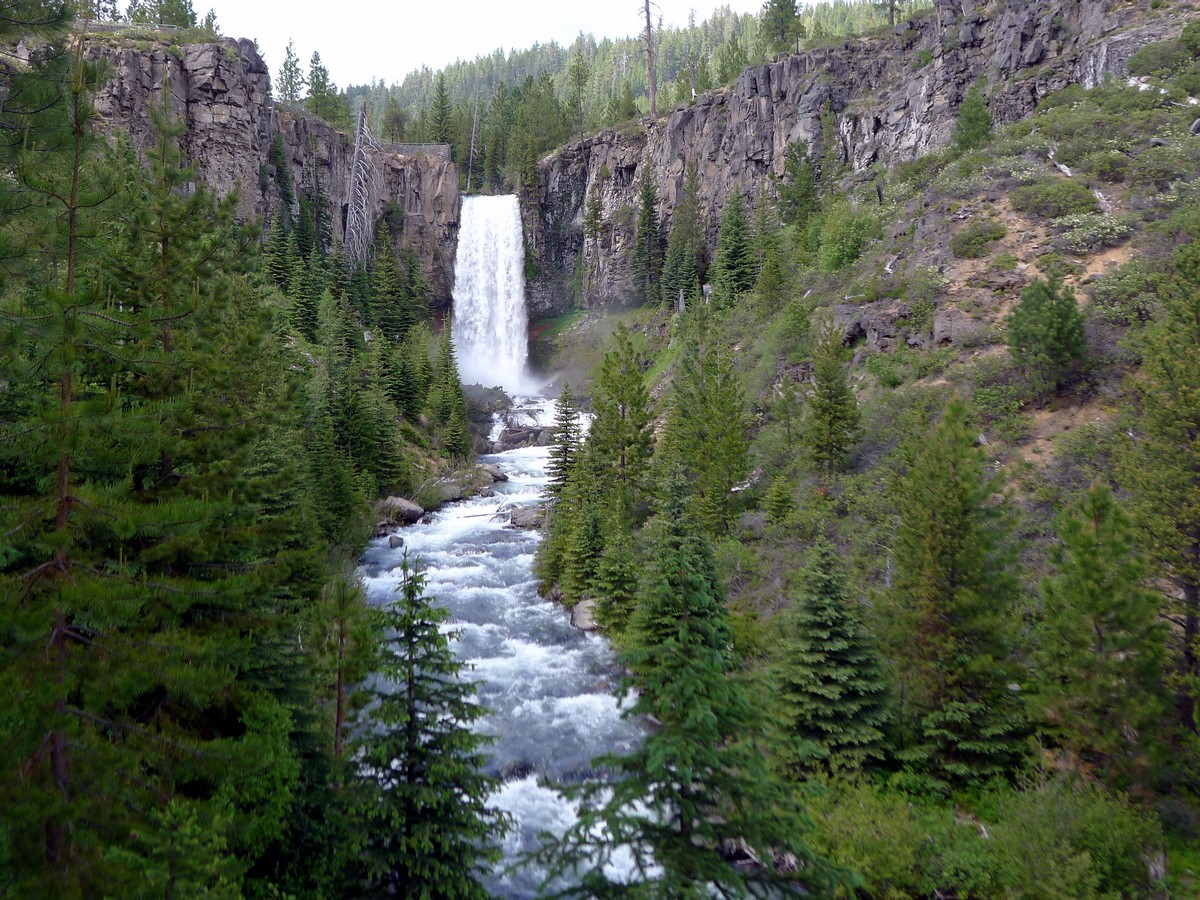 Visit Tumalo falls on your trip to Bend, Oregon