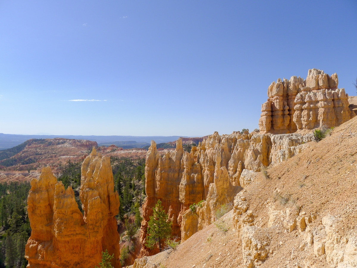 Hoodoo formations on Fairyland Loop Trail hike in Bryce Canyon National Park