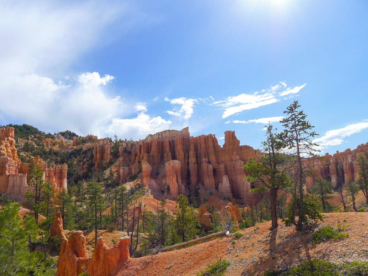 Fairyland Loop Trail hike in Bryce Canyon National Park has beautiful views