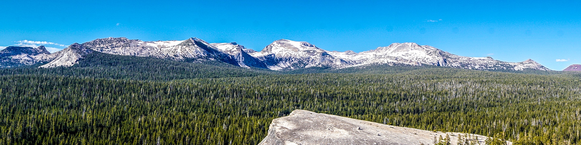 Panorama of the Lembert Dome hike in Yosemite National Park