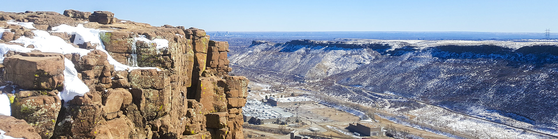 Panorama of the North Table Mountain Park hike in Denver, Colorado