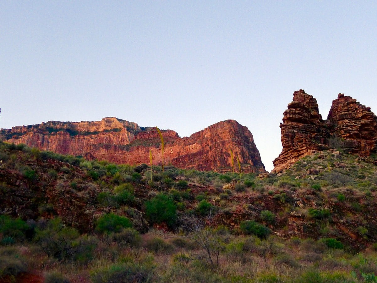 Beautiful rock formations and cliffs on the Bright Angel Trail Hike in Grand Canyon National Park, Arizona