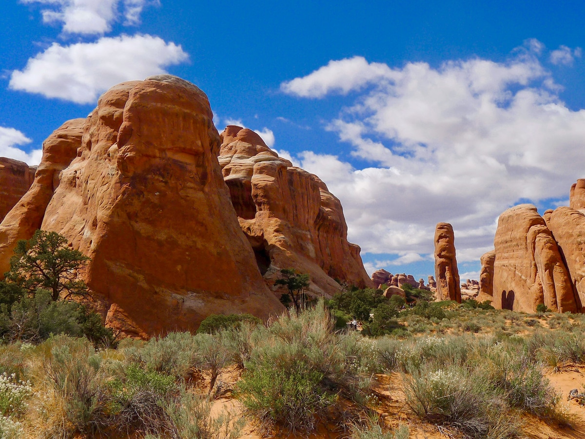Amazing scenery on Devil's Garden hike in Arches National Park, Utah