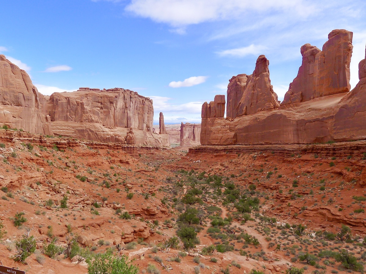 Beginning of Park Avenue hike in Arches National Park, Utah