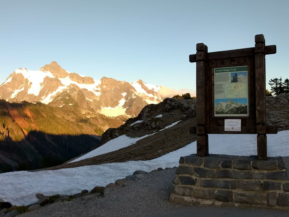 Trailhead and Mount Shuksan on the Artist Ridge hike near Mt Baker, Washington