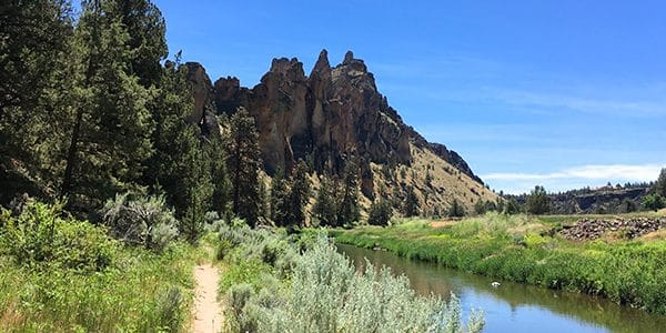 Smith Rock's Summit Trail Loop hike around Bend, Oregon